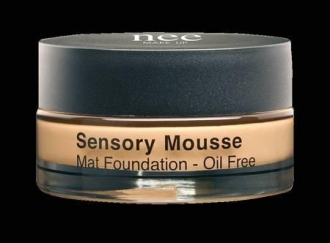 NEE penový make-up SENSORY MOUSSE OIL FREE M2